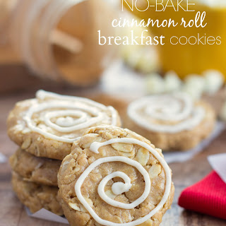 (No-bake) Cinnamon Roll Breakfast Cookies