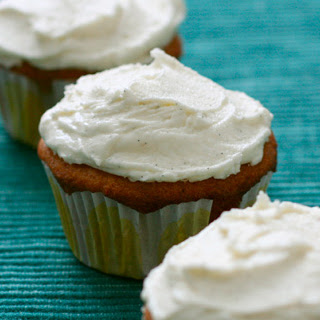 White Chocolate Macadamia Nut Cupcakes