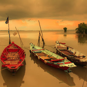 by Kus Wantoro - Transportation Boats