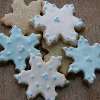 Diane's Snowflake Cookies .