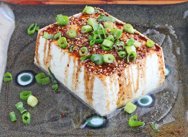 Warm Tofu with Spicy Garlic Soy Sesame Sauce Recipe