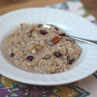 Overnight Crock-Pot Cranberry Almond Oatmeal