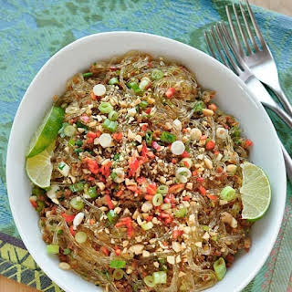 Spicy Glass Noodles with Crispy Pork (Yum Woon Sen).