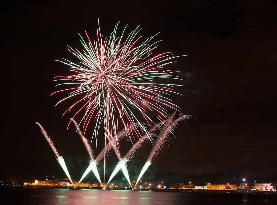 by Paulo Gaspar - Abstract Fire & Fireworks ( fireworks, 25 de abril, fogo de artifício )