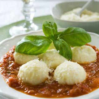 Gluten Free Ricotta Gnocchi with Quick Tomato Sauce