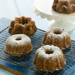 Zucchini-Fig Mini Cakes.
