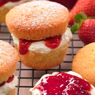 Mini Golden Victoria Sponges