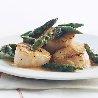 Scallops with Asparagus.