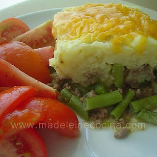 Ground Beef with String Beans and Mashed Potatoes.