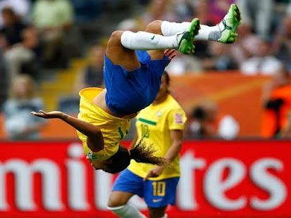 足球進球:勝利姿勢