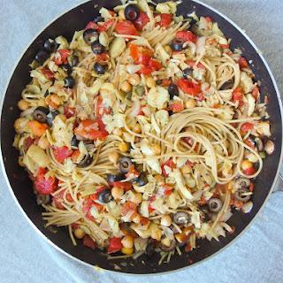 One Pot Spaghetti Alla Puttanesca with Chickpeas & Artichoke