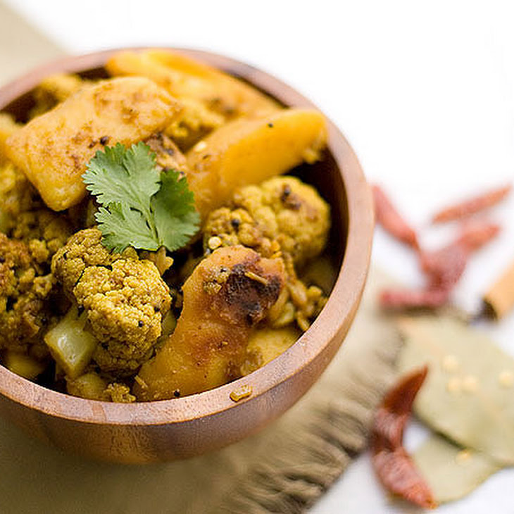 Aloo Gobhi - Curried Potato n Cauliflower