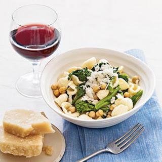 Orecchiette With Chickpeas and Broccoli Rabe