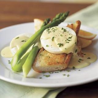 Asparagus with Poached Eggs & Hollandaise Sauce Recipe
