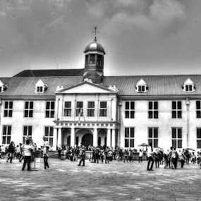Side of Batavia by Gia Gusrianto - Buildings & Architecture Public & Historical ( b&w, park, people,  )