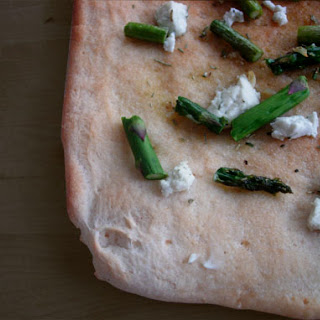 Asparagus Pizza with Rosemary and Goat Cheese Recipe