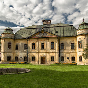 by Ján Hrmo - Buildings & Architecture Statues & Monuments ( starozitnost, obloha, budova, historia )