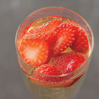 Prosecco With Strawberries Recipes.
