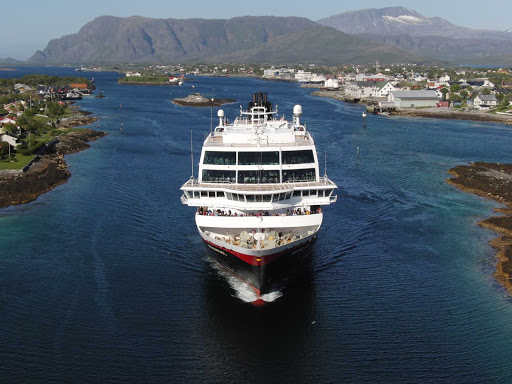Hurtigruten-Midnatsol-in-Norway - Hurtigruten's Midnatsol makes her way down the coast of Norway.