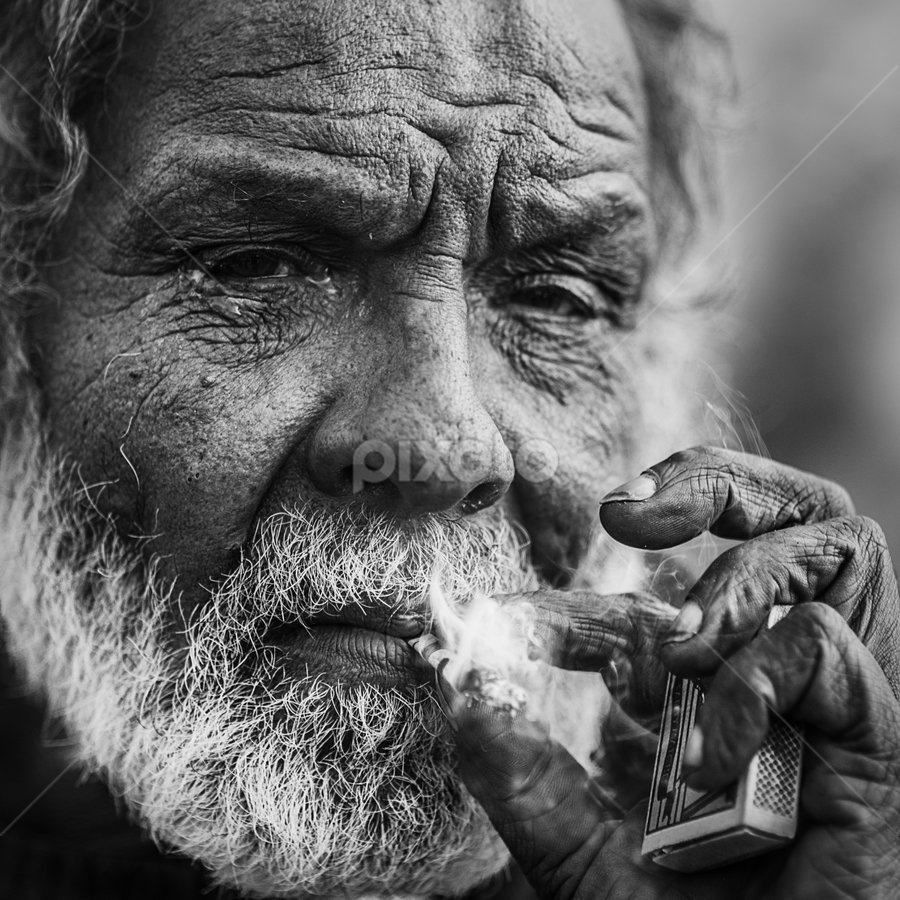 by MIhail Syarov - People Portraits of Men ( cigarette, white beard, b&w portrait, porttrait, beard )