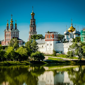 NOVODEVICHY (NEW MAIDENS) CONVENT by Mike Moss - Buildings & Architecture Places of Worship