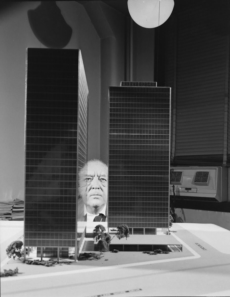 Mies Vanderrohe-Aechitect