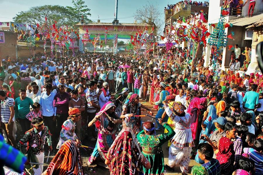 Dhuleti Utsav by Thakkar Mj - People Street & Candids ( dhuleti, ahmedabad, utsav, colourful, gujarat, india, festival, crowd, people, humanity, society )