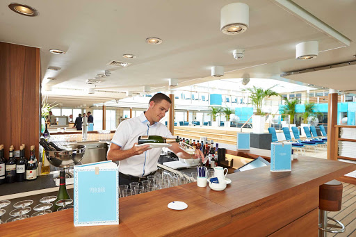 Europa-2-Pool-Bar - Have a glass of chilled wine and feel refreshed by the Pool Bar on deck 9 of Europa 2.