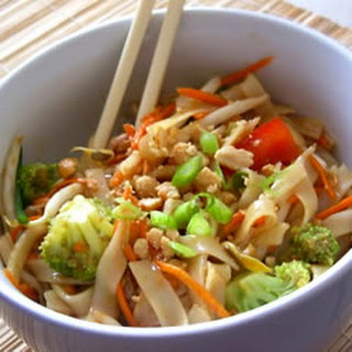 Asian Pasta Salad with Beef, Broccoli and Bean Sprouts.