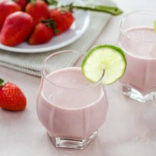 Paleo Strawberry Coconut Smoothie.