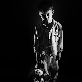 Elliott and his bear by Ryan Bedingfield - Black & White Portraits & People