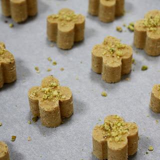 Persian Chickpea Cookies (Nan-e Nokhochi)