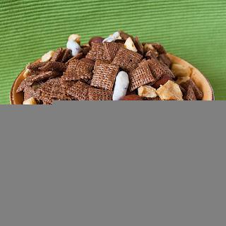 Cinnamon-Apple Chex Mix