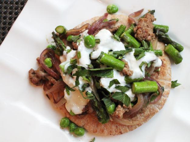 Skillet Ground Lamb with Asparagus, Peas, and Tzatziki Sauce Recipe