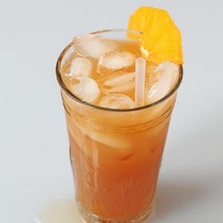 Dubonnet a l'Orange Cocktail.