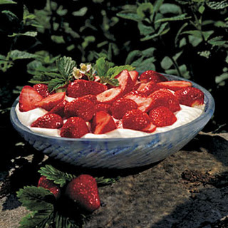 Strawberries and Creamy Dip
