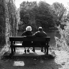 Old couple, young at heart. by Derek Robinson - City,  Street & Park  City Parks
