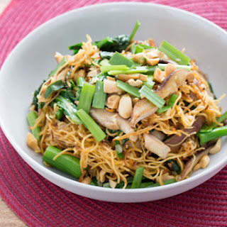 Stir-Fried Chow Mein Noodles with Chinese Broccoli & Chives.
