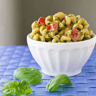 Pesto Cavatappi {Noodles & Company Copycat}