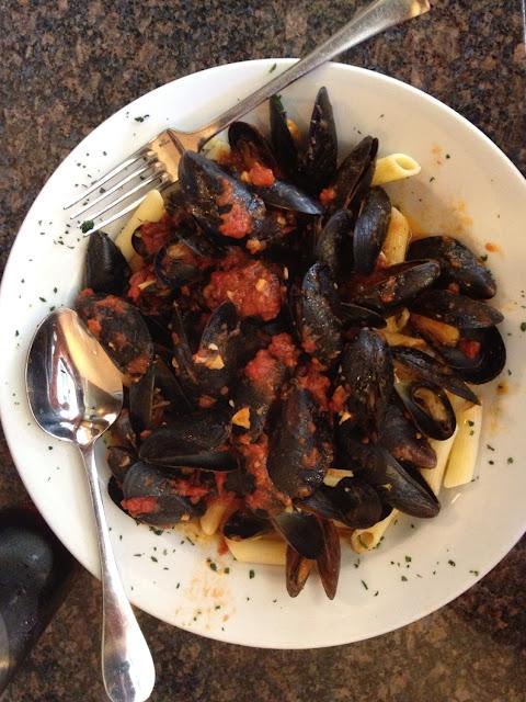 Mussels marinara with GF PASTA!