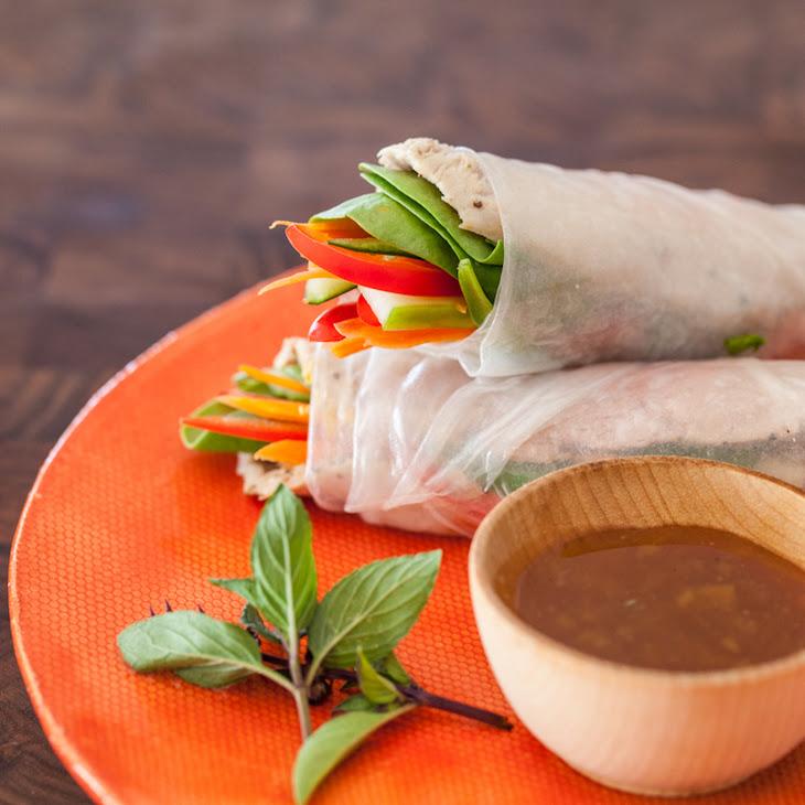 Vietnamese Spring Rolls with Slow Cooker Pork
