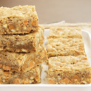 Butterscotch Caramel Crunch Blondies