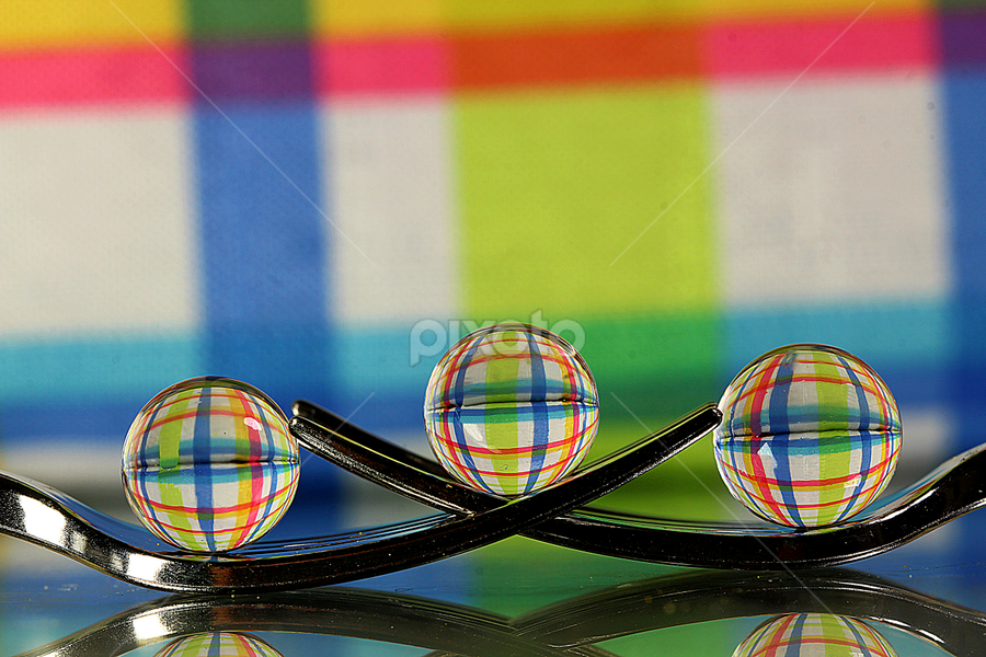 by Dipali S - Artistic Objects Other Objects ( abstract, forks, reflection, artistic, lines, spheres, refraction )