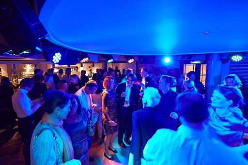 Europa-2-Sansibar-dance-floor - Dance the night away, grab a drink and meet new friends at the Sansibar, located on deck 8 of Europa 2.