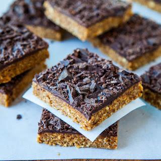 Cinnamon Oatmeal Date Bars with Chocolate Chunks (no-bake, vegan, gluten-free).