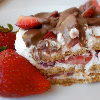 {No-Bake} Strawberry Ice Box Cake Recipe