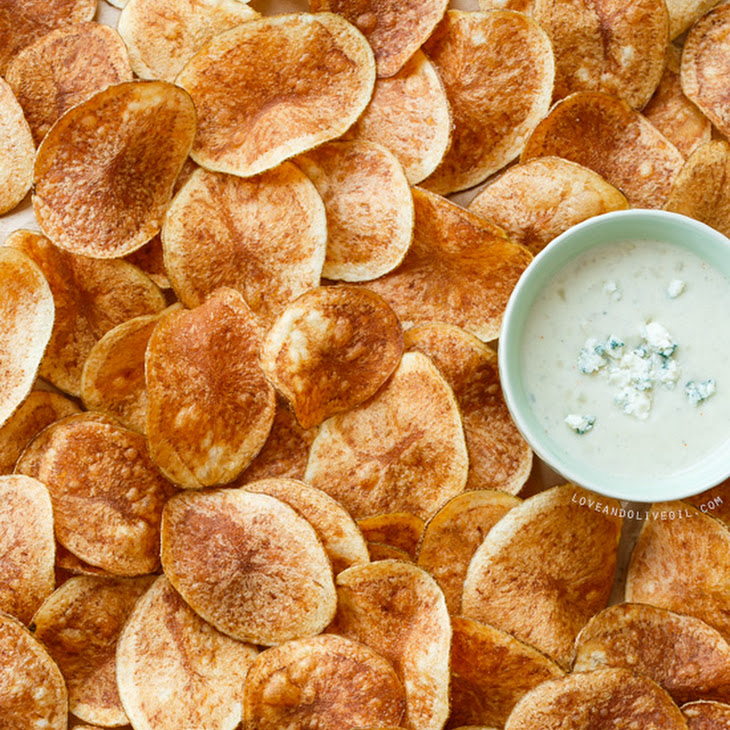 Potato Chips with Blue Cheese Dipping Sauce Recipe