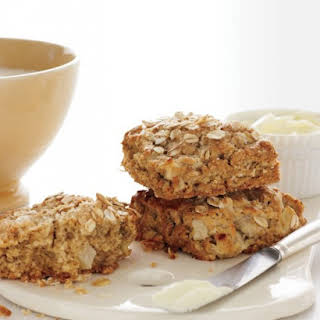 Apple and Oat Scones with Cinnamon and Nutmeg.