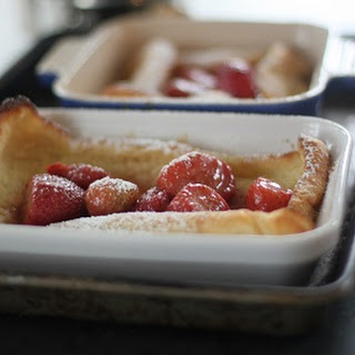 Dusted Dutch Strawberry Pancakes