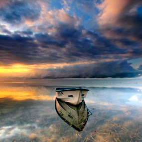 Alone in this world by Agus Eka Kurniawan - Landscapes Sunsets & Sunrises ( colour, bali, cloud, sunrise, beach, landscape, boat )